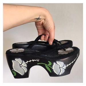 VTG OOAK Asian Embroidered Clog Runway Heels 8
